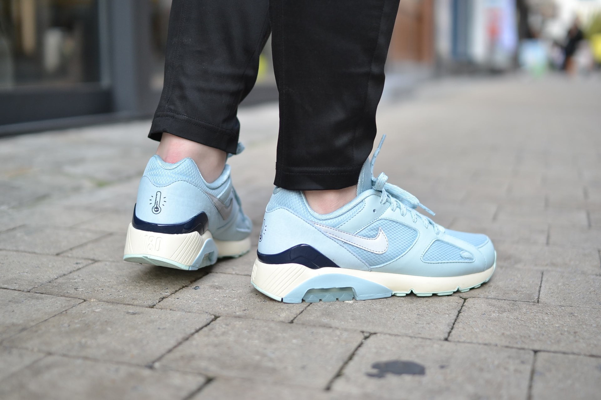 on sale 1ed4d aabe3 Nike Air Max 180
