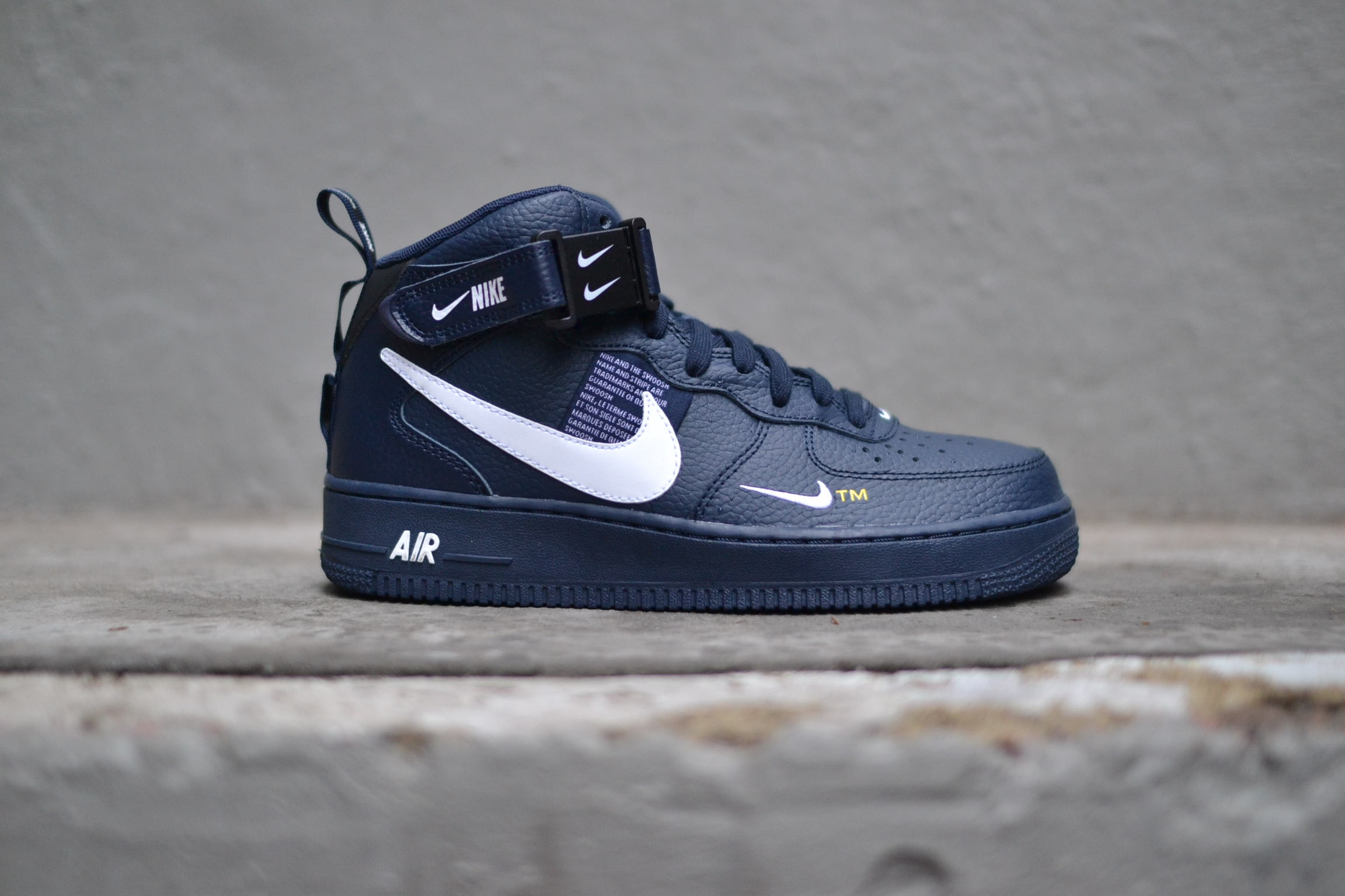 brand new 35a56 961e5 Air Force 1 Mid  07 lv8