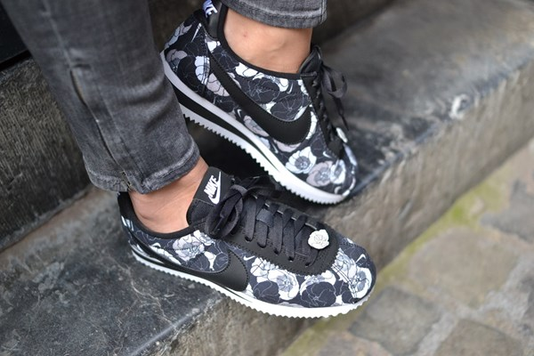 buy popular 5e52f e3216 NIKE CORTEZ THE FLORAL PACK