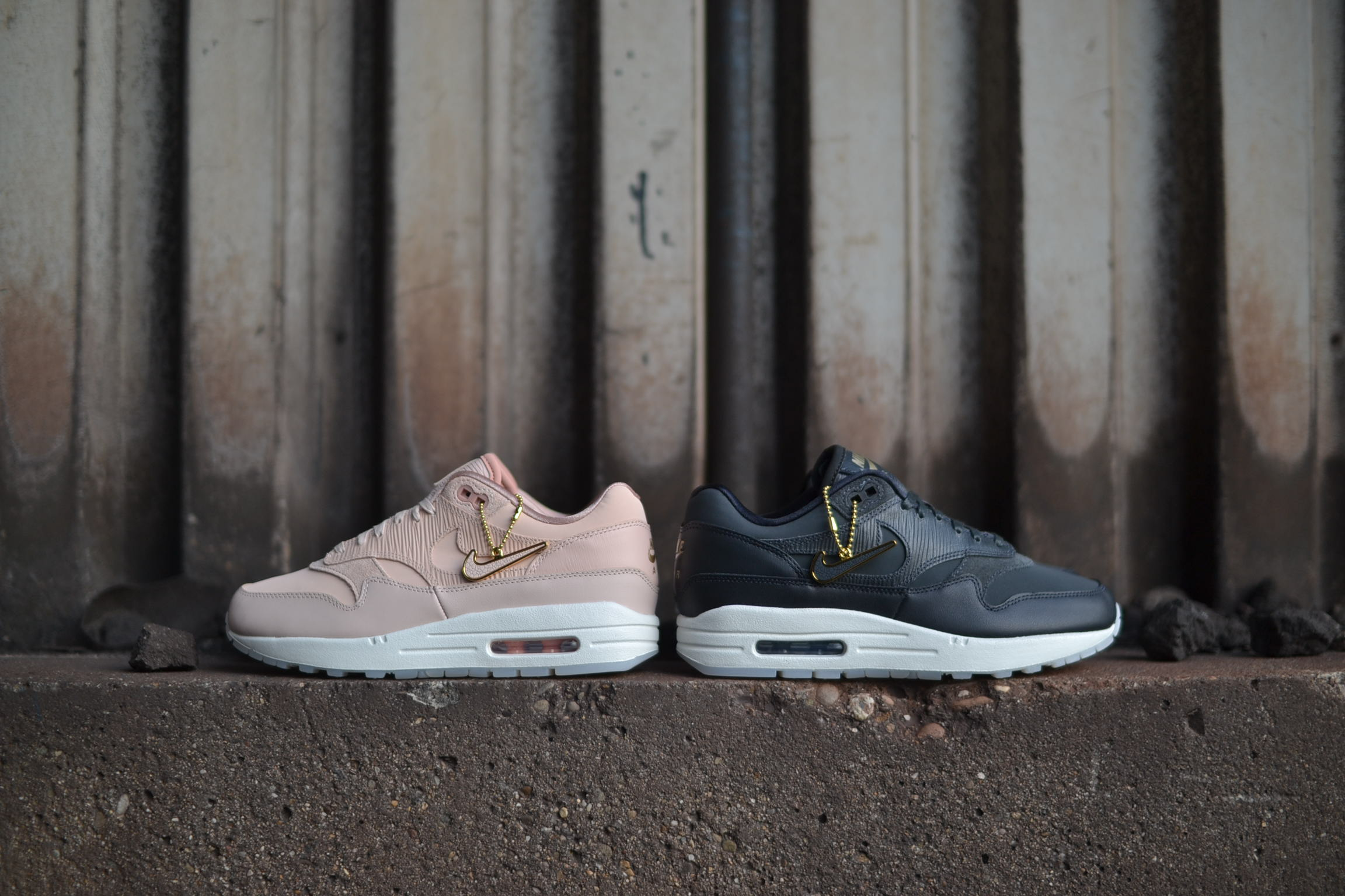 NIKE WMNS AIR MAX 1 PREMIUM - IN STORE   ONLINE 6998178af74d